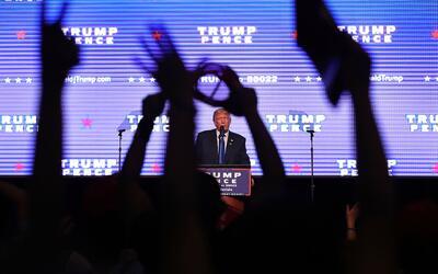 Sondeos muestran que Trump tiene menos apoyo que Clinton entre los blanc...