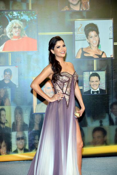 Ana Patricia González con un hermoso traje.