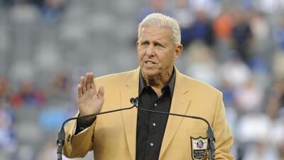 Bill Parcells es un reciente miembro del Salón de la Fama (AP-NFL).