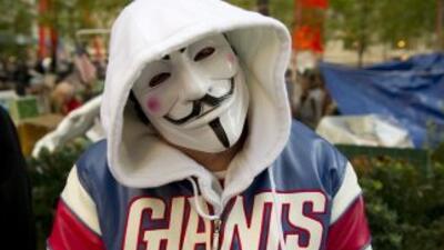 Anonymous ha prometido 'tirar' Facebook con ayuda de la gente.