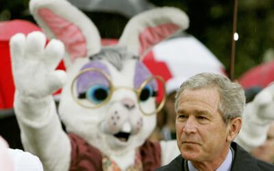 Por más de 135 años, en la Casa Blanca el disfraz de conejo de Pascua ha...