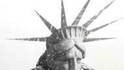 La organizacion New York Cares recolecta abrigos para los desamparados e...