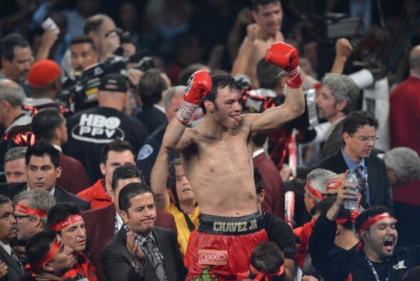 Chávez Jr. celebró cuando terminó el combate.