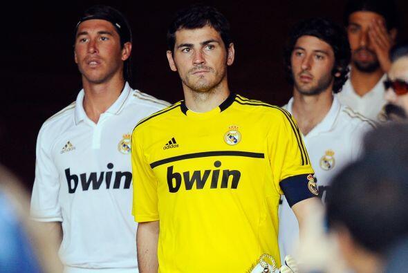 Ante el actual éxito del rival madridista, Barcelona, Casillas co...