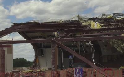 Sobreviviente de un tornado en Emory relata lo que pasó en su refugio, u...