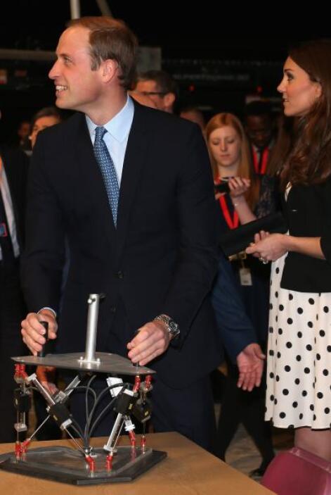 Y mientras Kate se entretenía con otras cosas, el príncipe William encon...