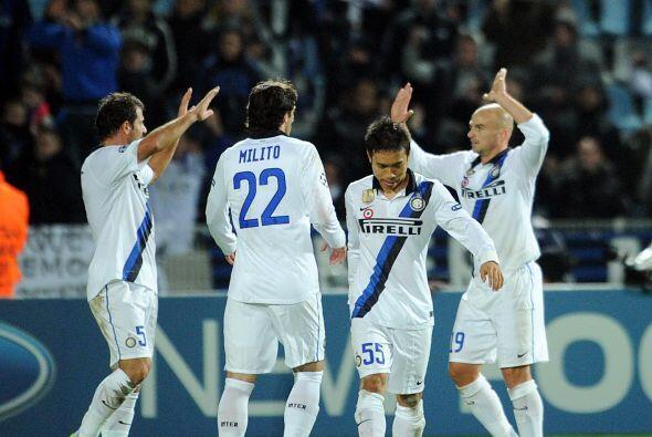 El 1 a 0 le dio confianza a los italianos y manejaron el juego.