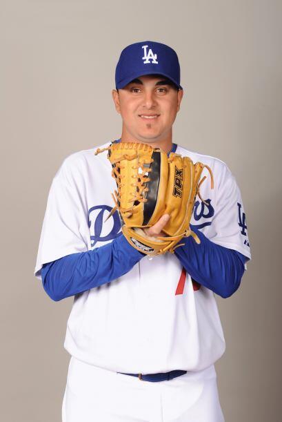 El pitcher de Dodgers de Los Ángeles, Víctor Gárate...