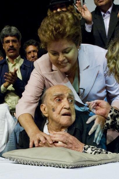 5 de diciembre. Oscar Niemeyer, 104 años de edad. Legendario arquitecto...