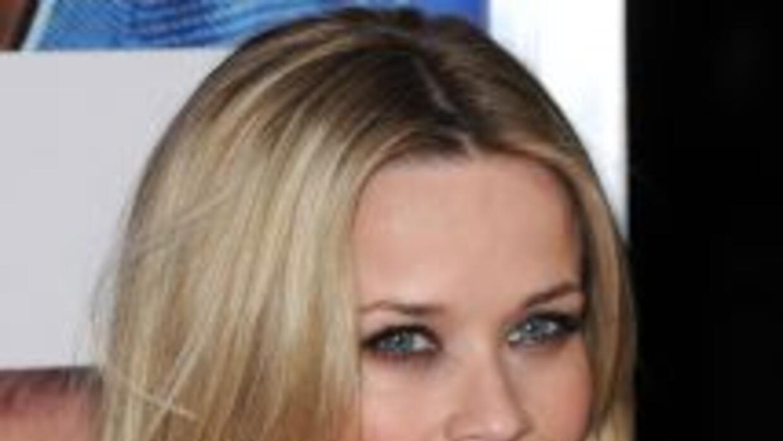 La actriz Reese Witherspoon se comprometió con el agente de Hollywood Ji...