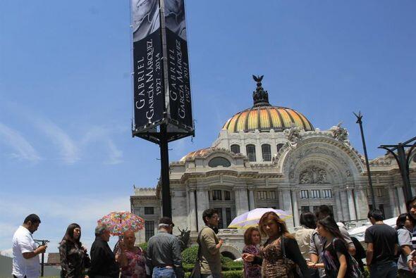 Antes de la una de la tarde, los seguidores de Gabo comenzaron a llegar...