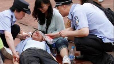 Los heridos, cuatro de ellos en estado crítico, fueron hospitalizados. (...