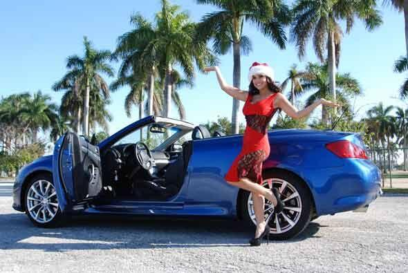 Y en este convertible, Cynthia sería la compañera ideal para ir a pasear...