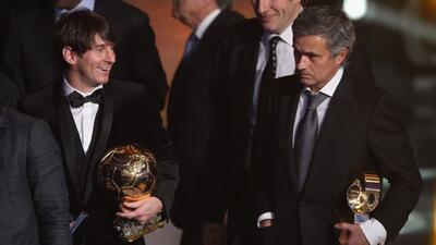 El argentino y el entrenador luso compartiendo en una gala del Balón de...