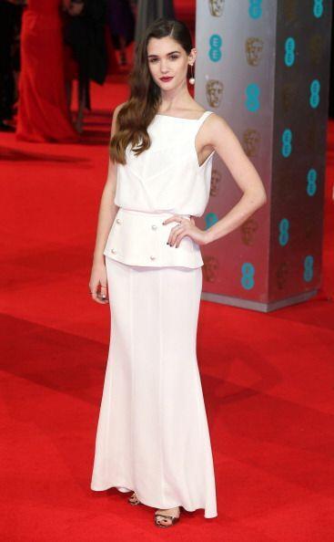 'Glamourosa' se lució Sai Bennett en esta 'red carpet' del BAFTA 2014 co...
