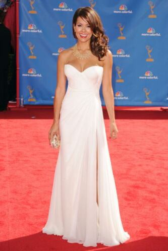 Brooke Burke se veía impecablemente divina con vestuario blanco. El deta...
