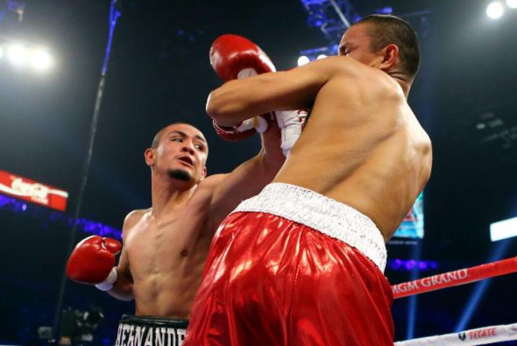 Alexis Hernánandez hizo su tercera pelea profesional ante Jazzma Hogue.