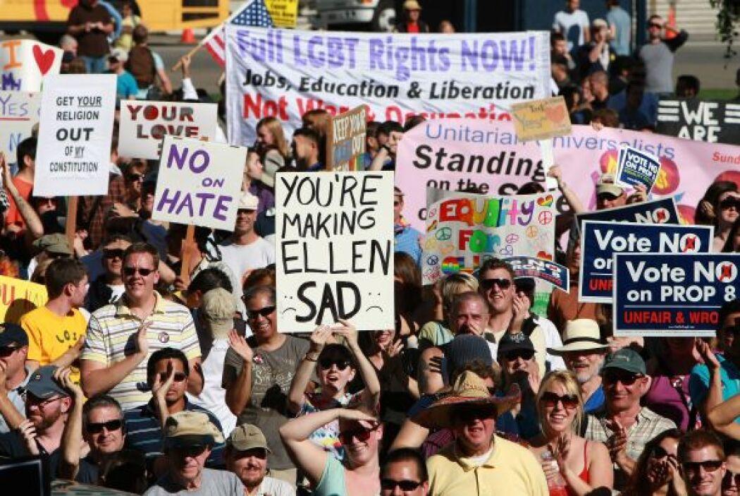 Las bodas gay están prohibidas en 41 estados a través de estatutos o ley...