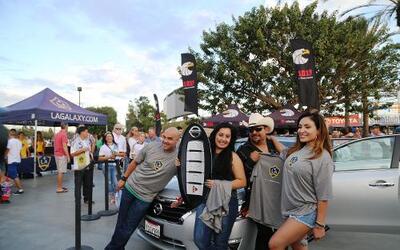 El Bueno, La Mala y El Feo regalaron un Nissan Altima nuevecito en el ju...
