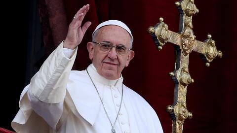 Polémica en la Iglesia Católica sobre posibilidad abierta del Papa de qu...