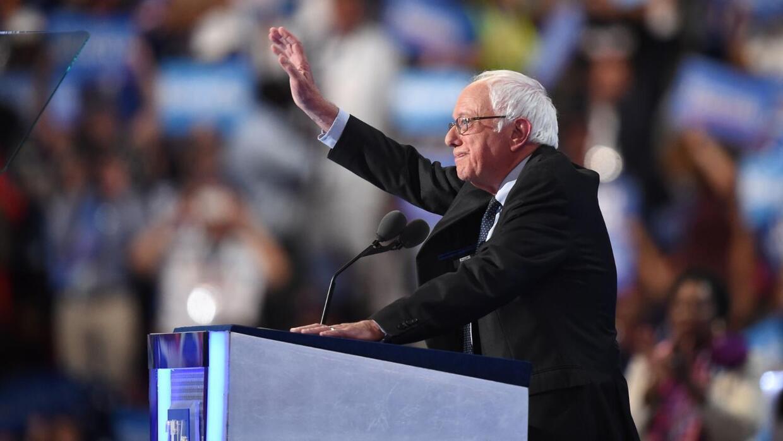 Bernie Sanders recibe una ovación de casi tres minutos en la Convención...
