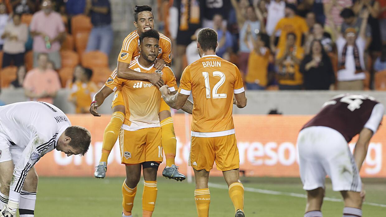 Houston Dynamo celebra gol vs Portland Timbers