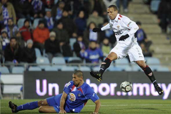 El Sevilla buscó al contragolpe ampliar la ventaja global a su fa...