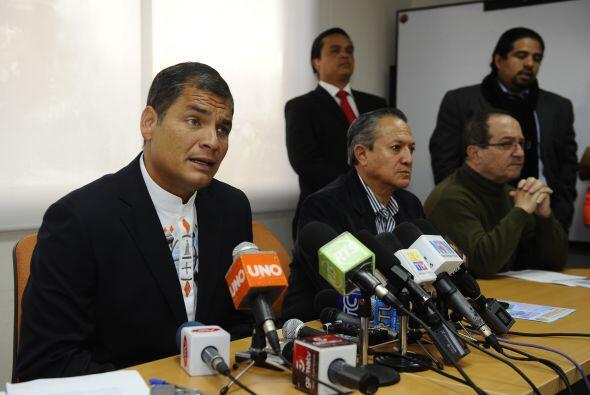 """El presidente ecuatoriano presentó el 21 de marzo una querella por """"inju..."""