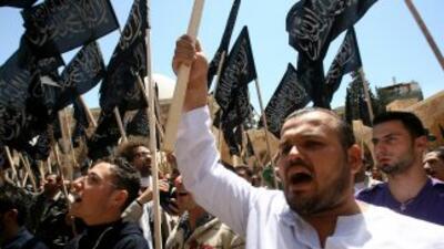 Miles de manifestantes salieron a las calles contra el régimen de Assad.
