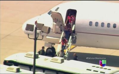 Quinto avión con niños migrantes llega a San Diego