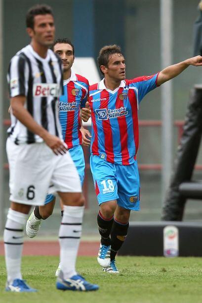 Pero fue el Catania el que pegó primero, gracias a un tanto de Go...