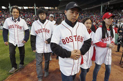 También asistieron al juego, los familiares de Lu Lingzi, la joven china...
