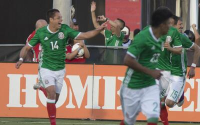 Javier Hernández marcó su gol 47 con el Tri