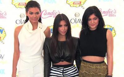 Las Kardashian reciben críticas por mandar mensajes en los MTV VMA