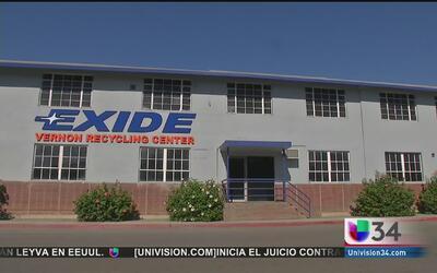 Residentes del sur de Los Angeles exigen solución a la contaminación de...