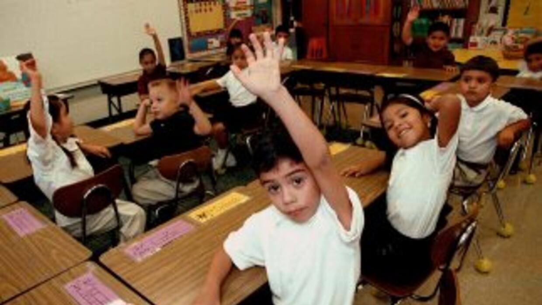 Autoridades del Distrito Escolar Adams 14, en Denver, acordaron con el D...