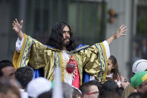 Un fiel caracterizado como el 'Sagrado Corazón de Jesús&qu...