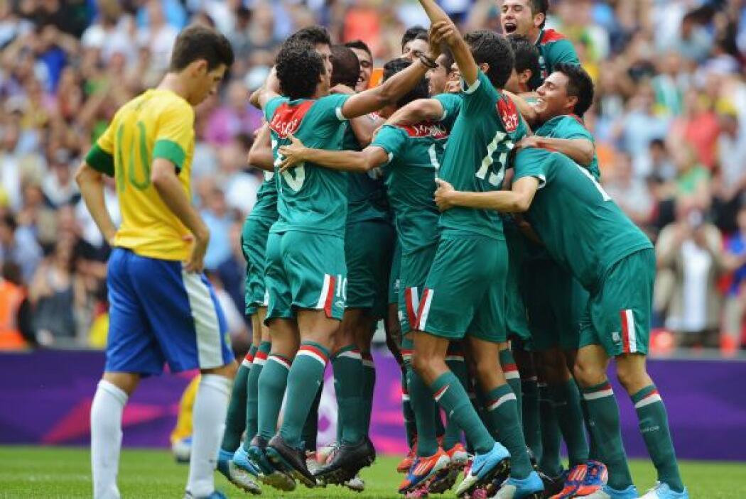 16.- El día dorado del fútbol mexicano.- El 11 de agosto del 2012 deberá...