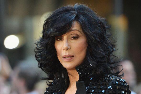 """La cantante estadounidense Cher escribió en Twitter: """"Cr&eac..."""