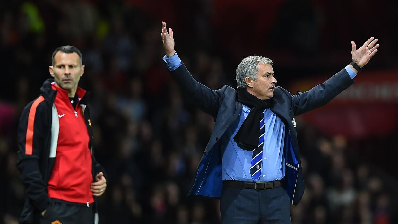 Mourinho y Giggs en un duelo Manchester United-Chelsea