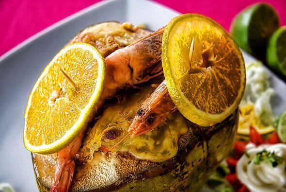 El coco con mariscos es otro preferido en Veracruz.