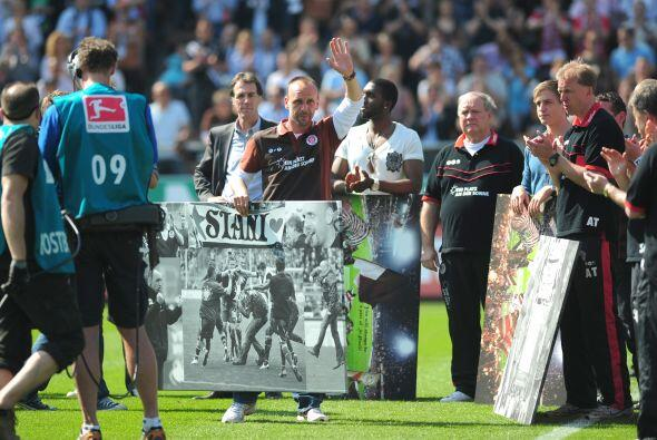Doble despedida del St. Pauli, adiós a la primera divisi'on de la Bundes...