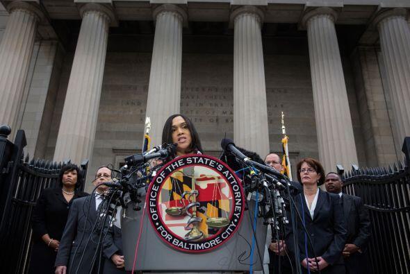 En una rueda de prensa, la fiscal estatal, Marilyn Mosby, detalló que co...