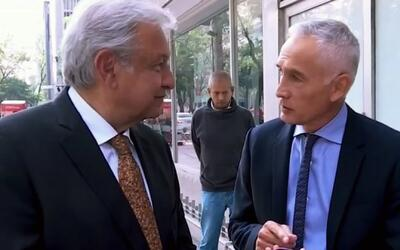 Lo que Andrés Manuel López Obrador siempre lleva en su cartera y por qué...