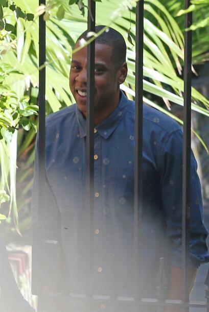 Jay-Z optó por una imagen casual.Mira aquí los videos más chismosos.