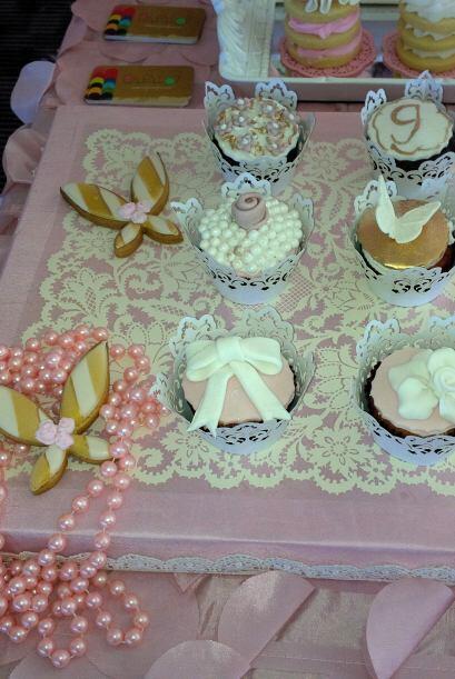 ¿Alguien gusta un cupcake? La decoración de cada uno era b...
