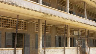 Denuncian tratos inhumanos en cárceles para migrantes