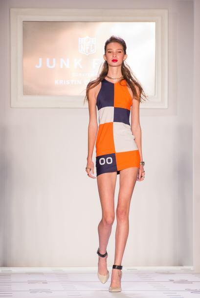 ¿Qué te parecería un vestido de uno de los finalistas del Super Bowl? Es...