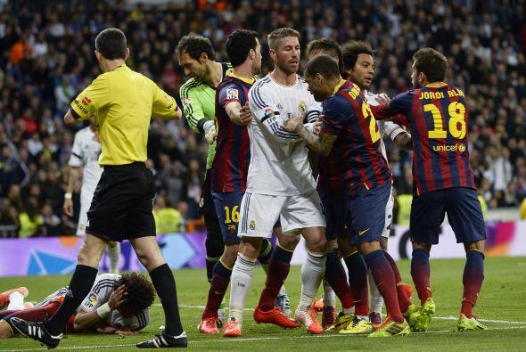 Justo cuando cayó ese gol, hubo algunos dimes y diretes entre Ces...