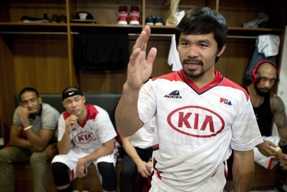 Pacquiao es además entrenador del equipo.